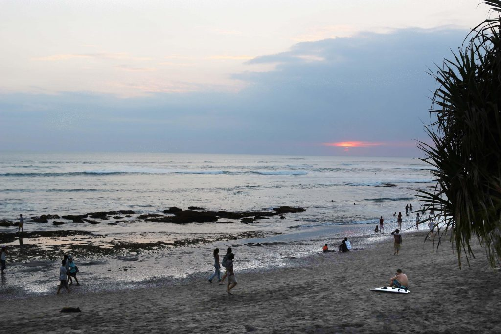 canggu-batu-bolong-beach-v2