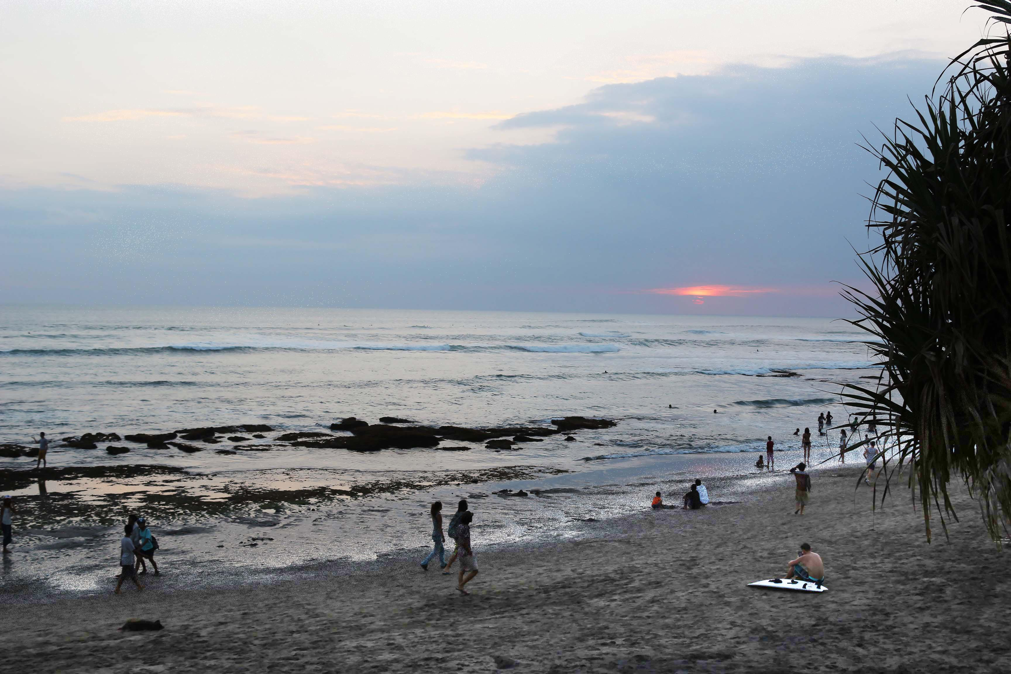 canggu-batu-bolong-beach-v2
