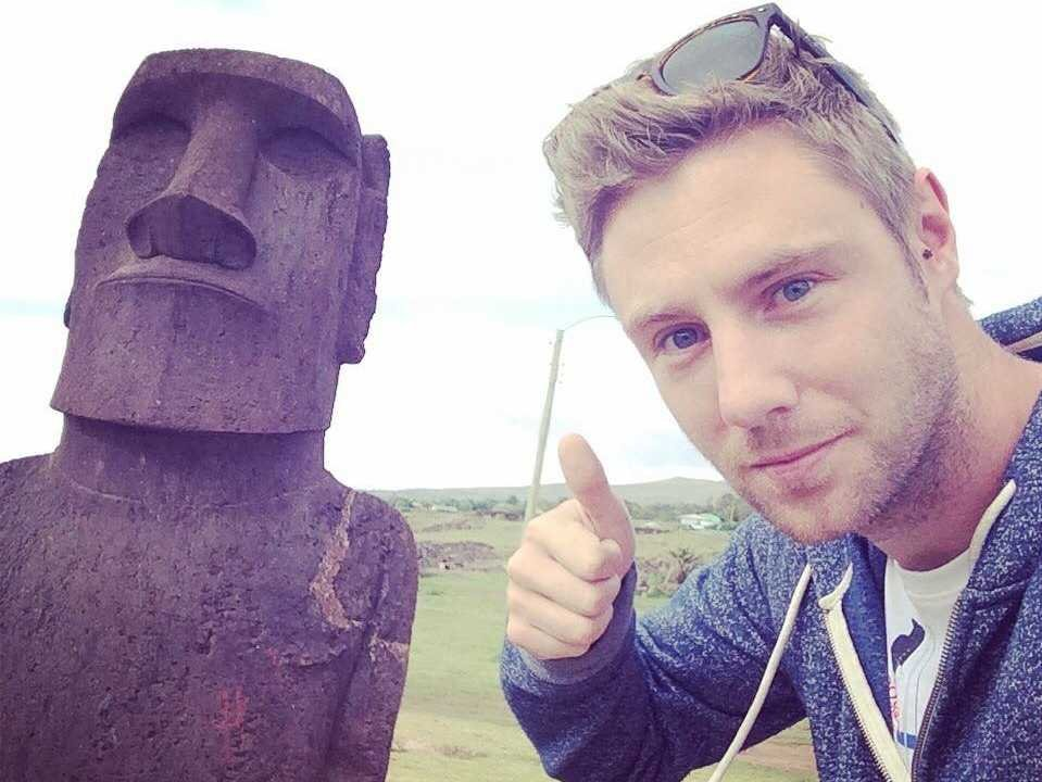 johnny ward 5 easter island - Guy, Who Visited Every Country Shares His 11 Favourite Places