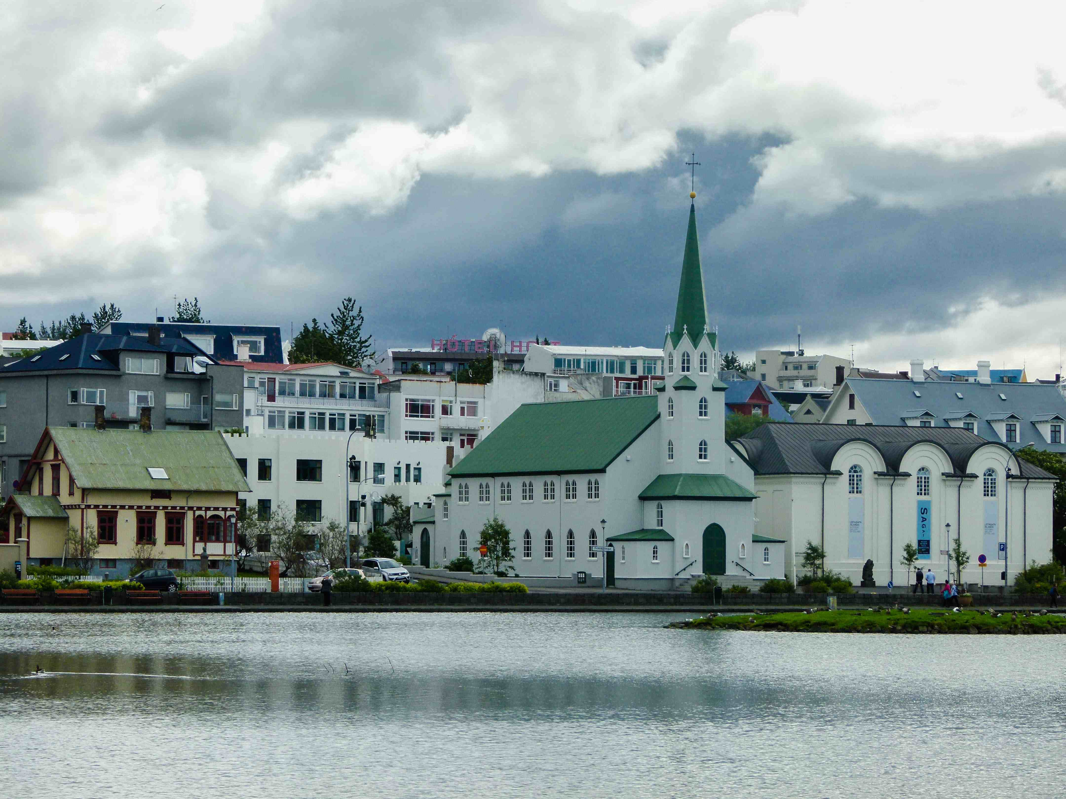 untitled 1 of 1 9 560x420 - What to See and Do in Reykjavik if You Only Got 24 hours