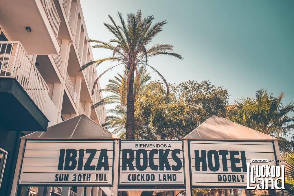 20776616 10156431833509908 3277345257523070766 o - Ibiza Clubs: Coolest Bars for The Day, Hottest Clubs for The Night