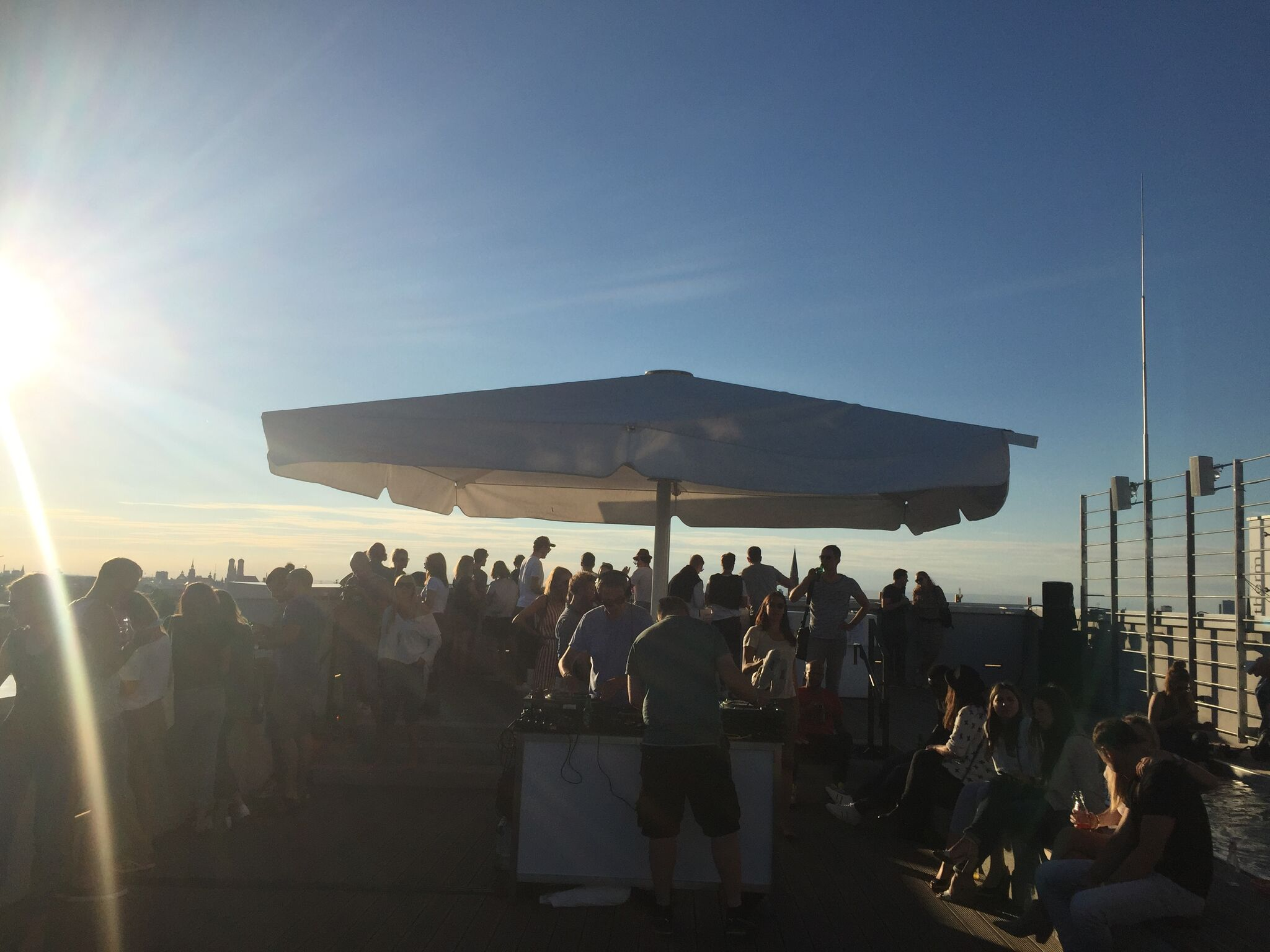 IMG 1731 560x420 - Best Outdoor Bars and Rooftops for a Drink in Munich